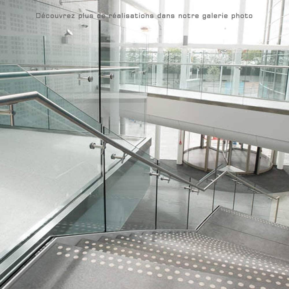 Rampe escalier tout verre sur profilés 1010/4 pour ERP