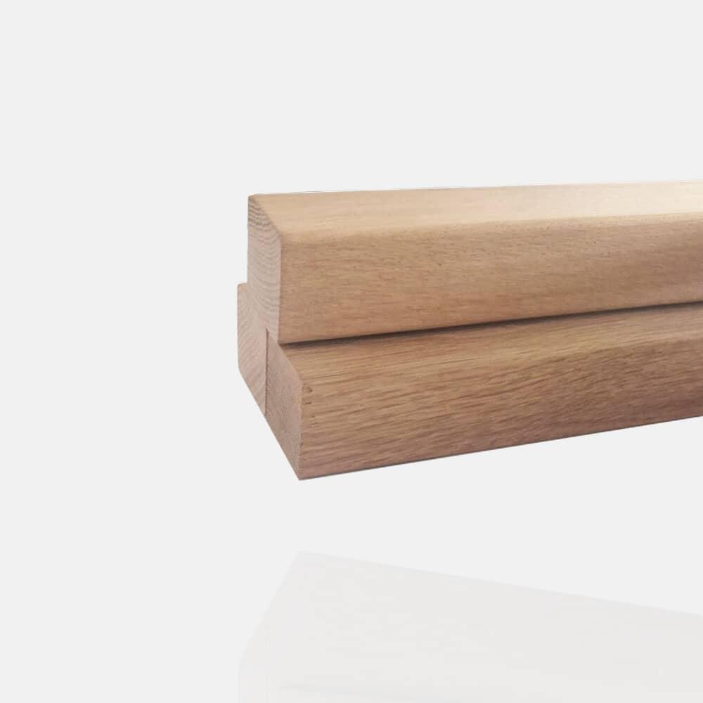 Main-courante carrée en bois de chêne