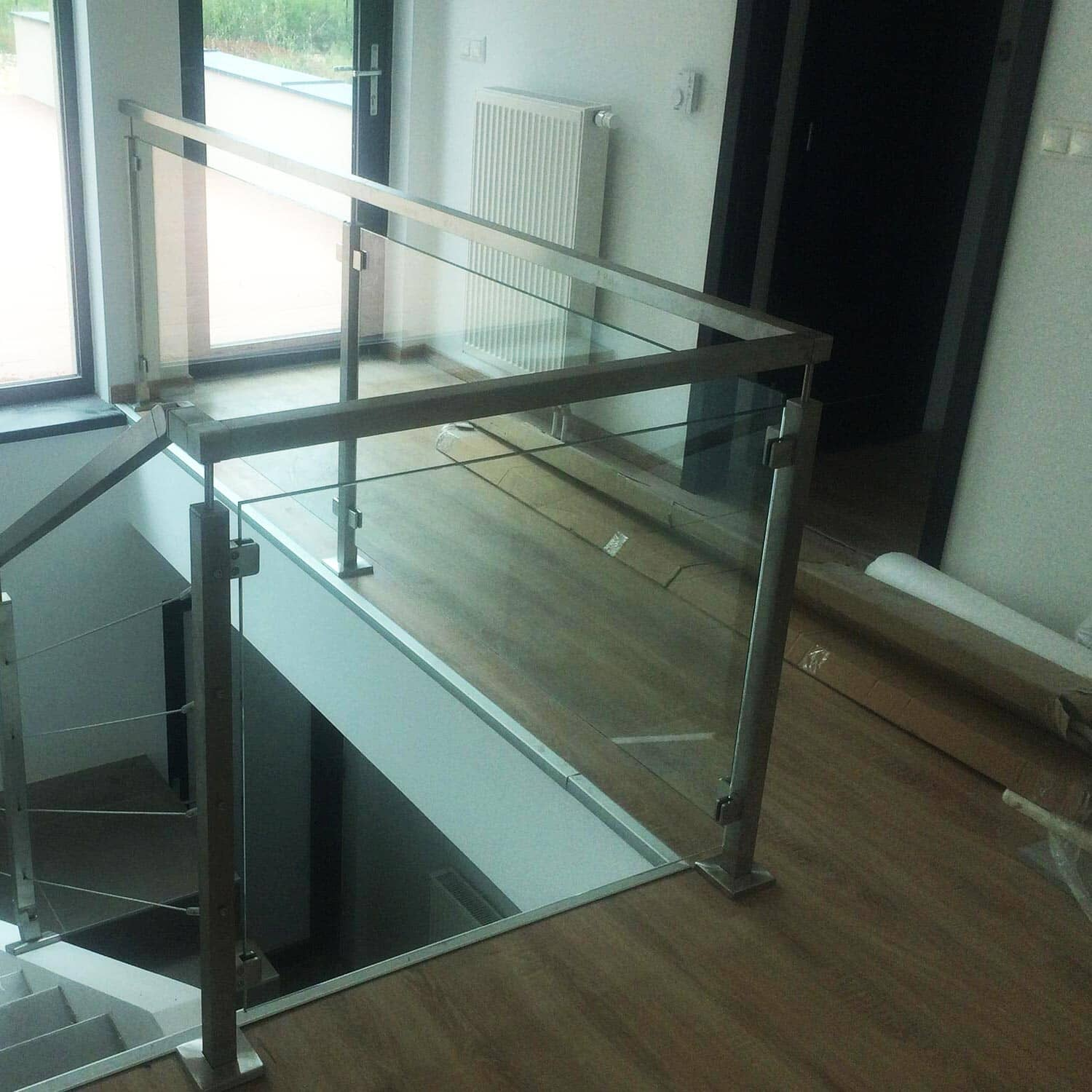 balustrades verre inox et tube carr. Black Bedroom Furniture Sets. Home Design Ideas